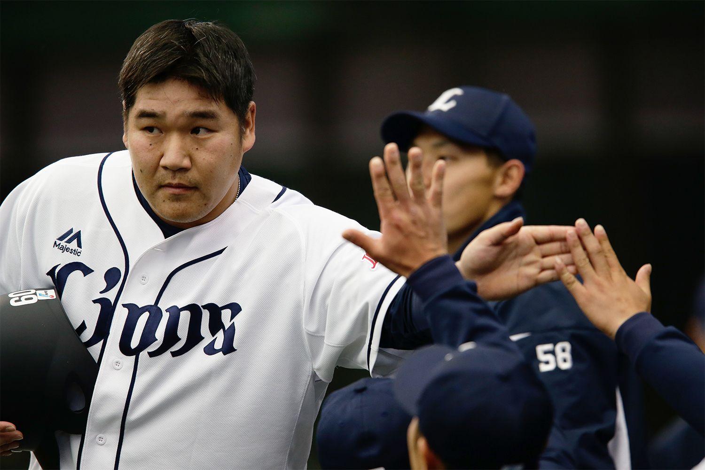 数年前の契約更改の場で「最強打者になりたい」と宣言した中村 ©文藝春秋