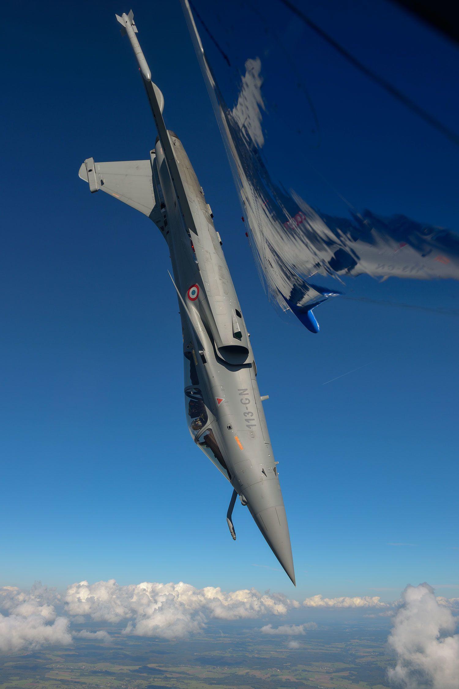 ダッソー・ラファールC(生産国フランス) メーカーの哲学は「性能の優れた航空機は美しい」