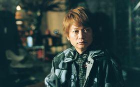 香取慎吾が表紙画の創作秘話を語る肉声ムービーを特別公開!