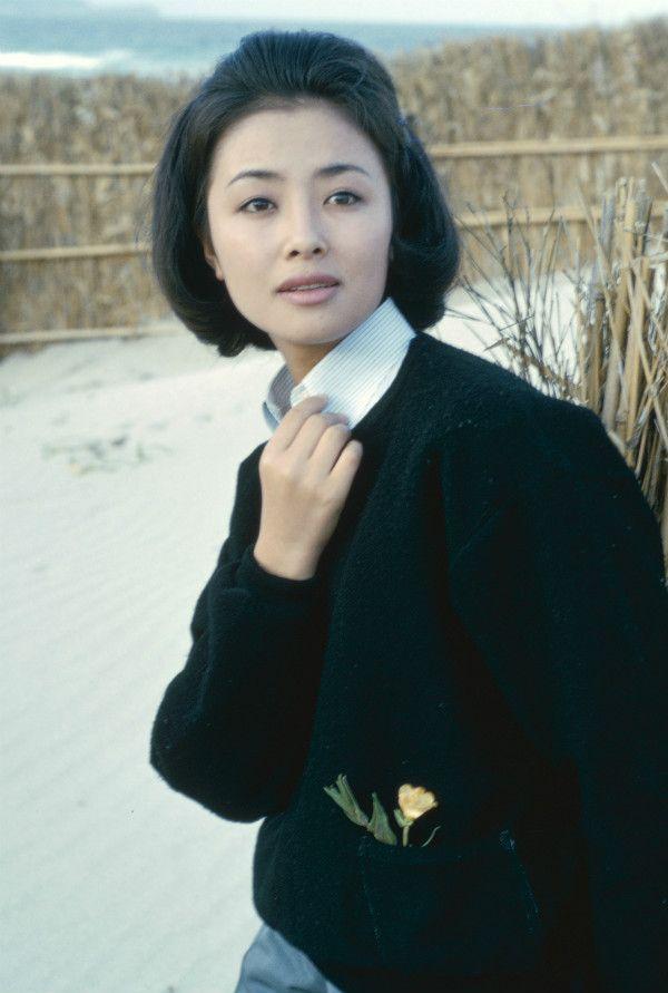 星由里子、20歳のときのポートレート ©文藝春秋