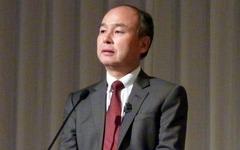 """孫正義氏""""屈辱の合併劇""""の舞台裏と新たな危機"""