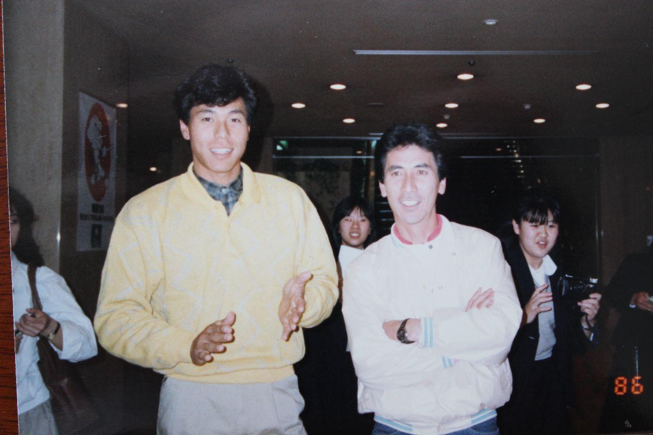 バック宙ホームインで話題になったシーズンオフのファンとの交流会にて ©中川充四郎