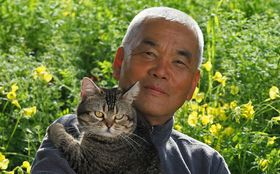 猫に演技させる秘訣は「命令しない、ひたすら褒めてお願いする」――岩合光昭が語る