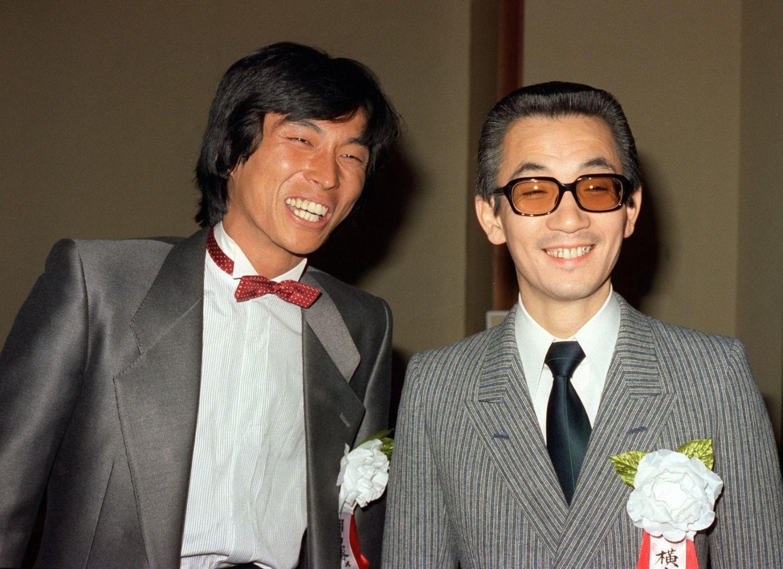 明石家さんまと横山やすし(1983年)©共同通信社