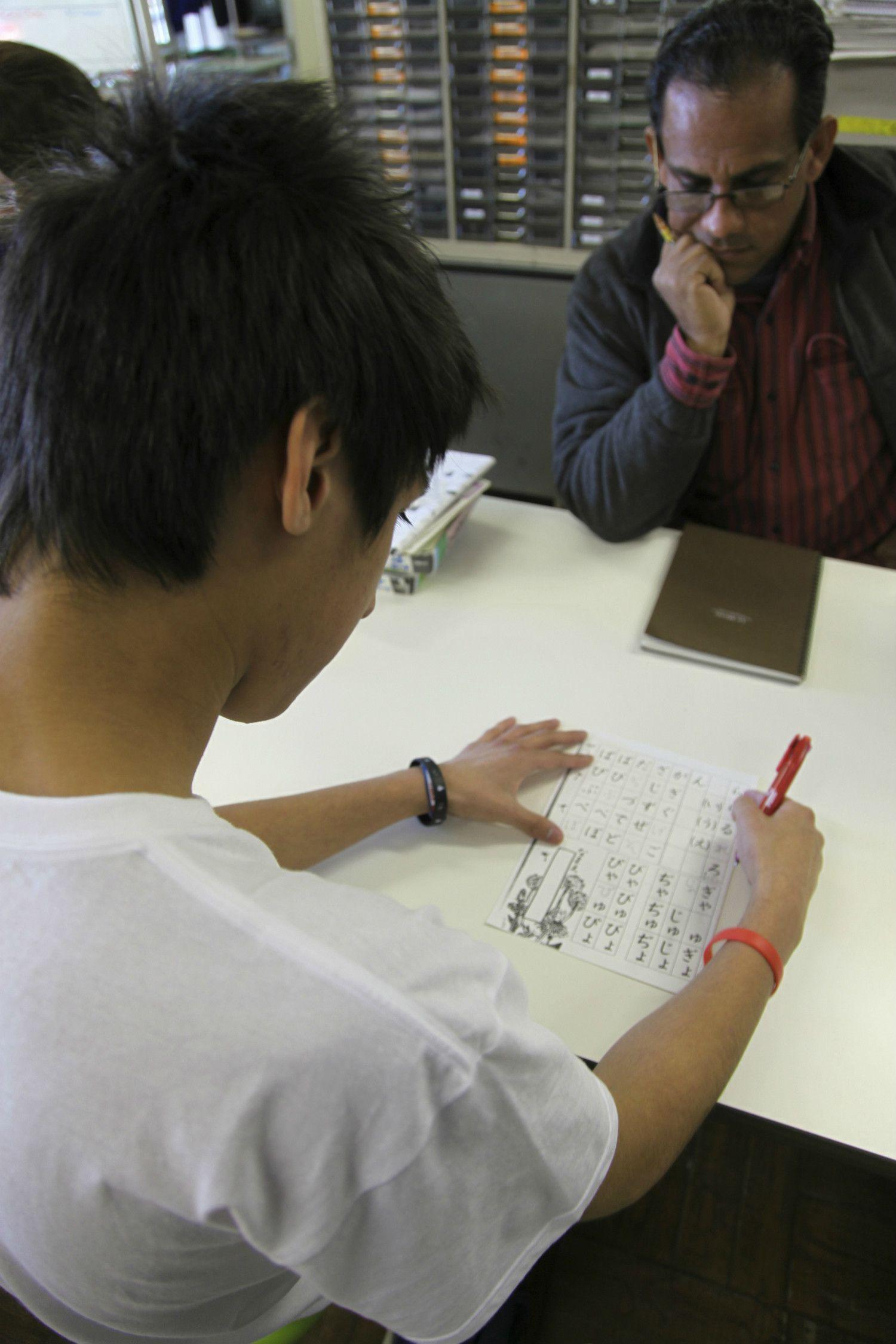 日本語を学ぶ外国人労働者 ©getty