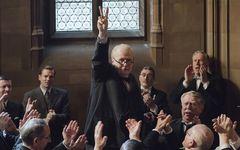 オールドマン演じるチャーチル 「ウィンストン・チャーチル/ヒトラーから世界を救った男」を採点!――シネマチャート