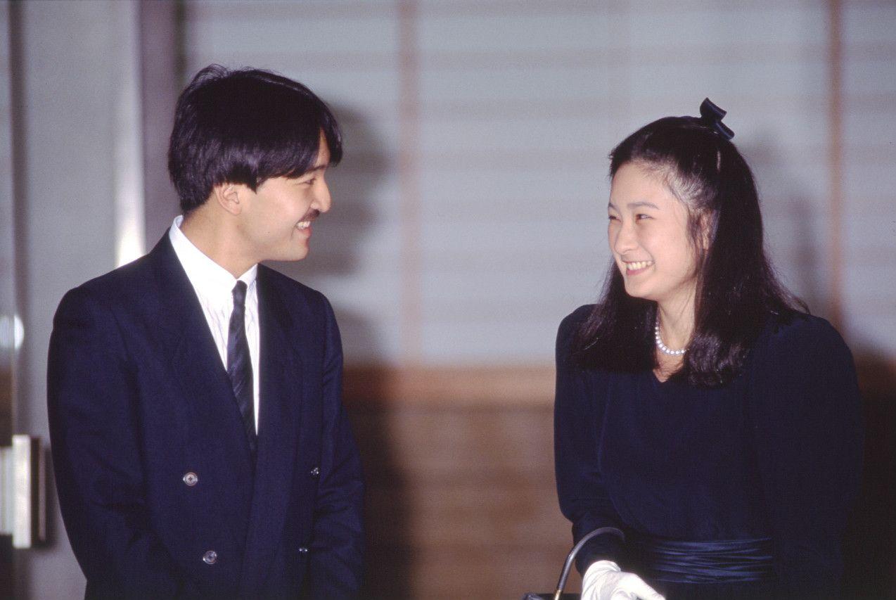 1989年9月12日、記者会見を終えた礼宮文仁親王と川嶋紀子さん ©JMPA