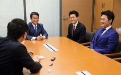 野党1年生が国会議事堂で小泉進次郎をにらみつける理由