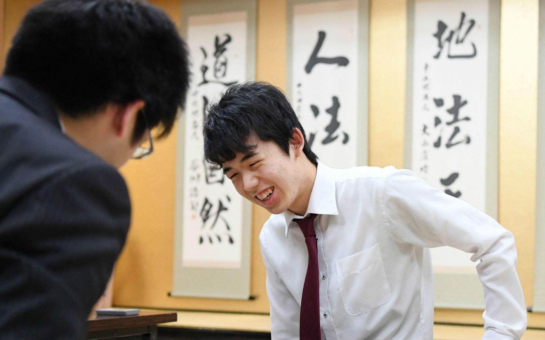 5月4日に公式戦16連勝目をあげた藤井四段 ©共同通信社