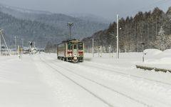 鉄道マニアも涼しい7つの「極寒駅」