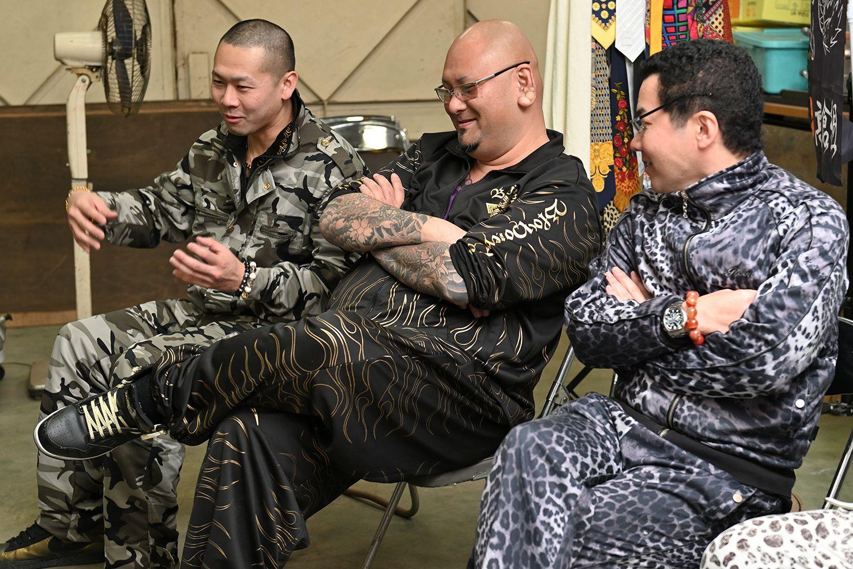 左から武蔵武さん、或布理萬さん、倉本宙雨組長